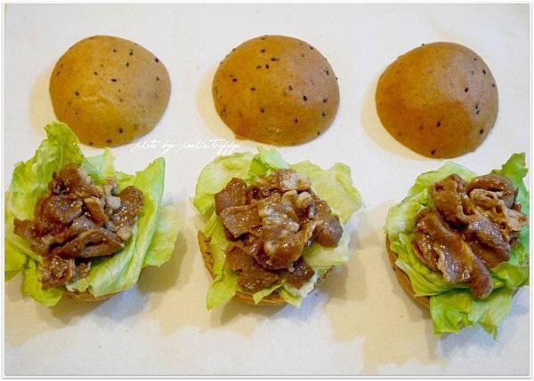 20130318 全麥芝麻照燒豬肉小漢堡 (7)