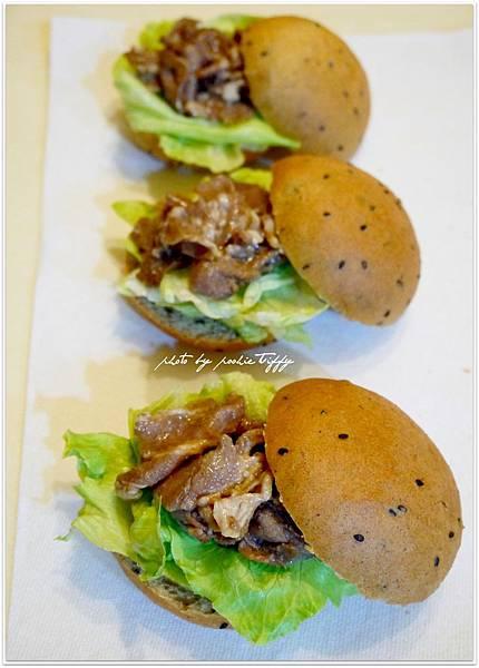 20130318 全麥芝麻照燒豬肉小漢堡 (8)