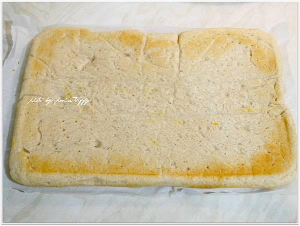 20130409 香蔥肉鬆麵包捲 (5)
