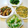 【清炒絲瓜。清燙波菜。九層塔烘蛋。三杯雞胸肉】