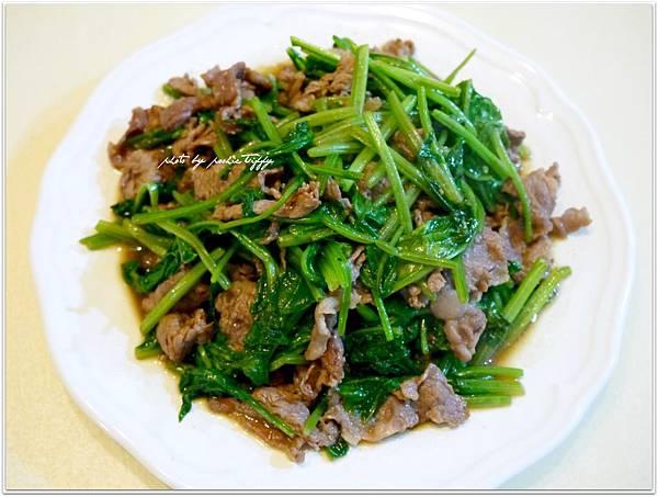 【波菜炒牛肉】