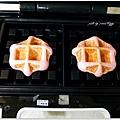 20130422 草莓鬆餅麵包 (6)