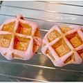 20130422 草莓鬆餅麵包 (7)