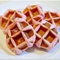 20130422 草莓鬆餅麵包 (12)