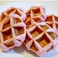 20130422 草莓鬆餅麵包 (13)