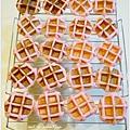 20130422 草莓鬆餅麵包 (14)
