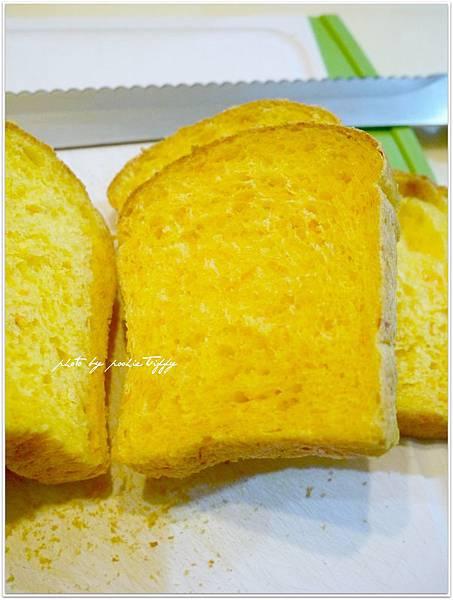 20130718 紅蘿蔔小吐司 (3).JPG