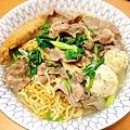 【香菜鍋燒意麵】香菜/自製魚丸/豬肉片/蒜苗/旗魚黑輪/台南意麵