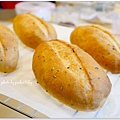 20131224 芝麻法國麵包.JPG