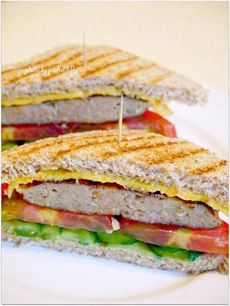 「豬肉漢堡起司三明治」