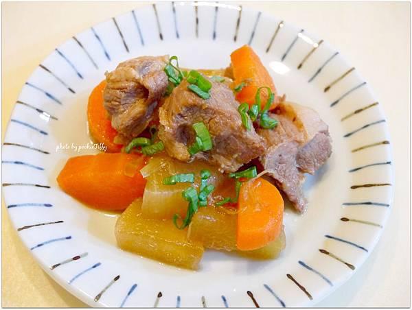 「白蘿蔔燉梅花肉」