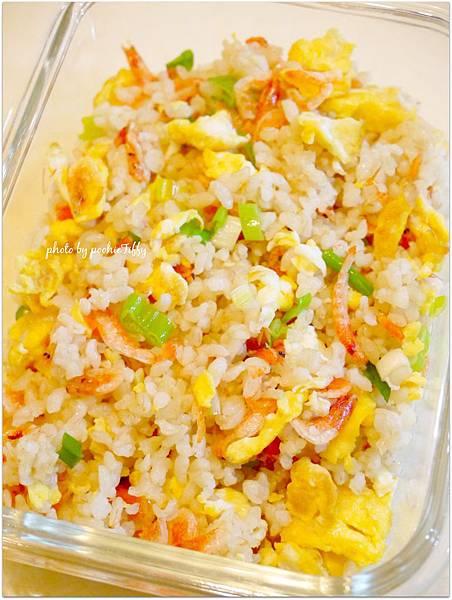 又是懶人「櫻花蝦糙米蛋炒飯」