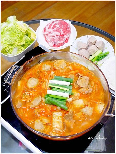 「韓式豬肉泡菜鍋」