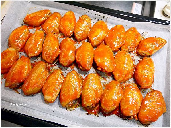 「韓式辣味烤雞翅」