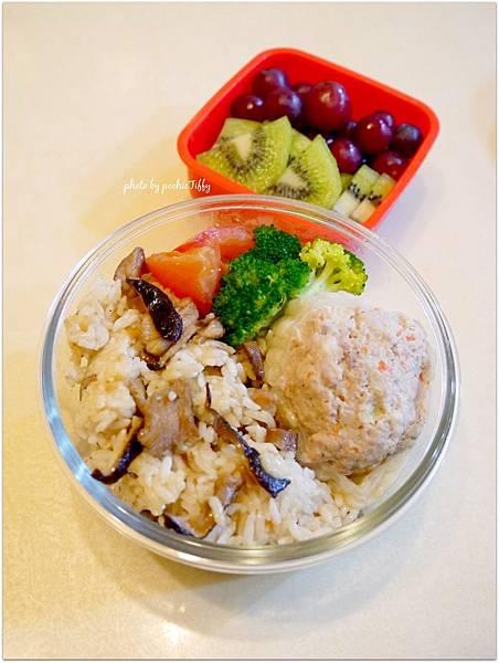 No.1「香菇油飯。清燙花椰菜。苦瓜封」