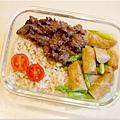 No.12「韓式炒牛肉。甜不辣炒蘆筍。糙米飯」