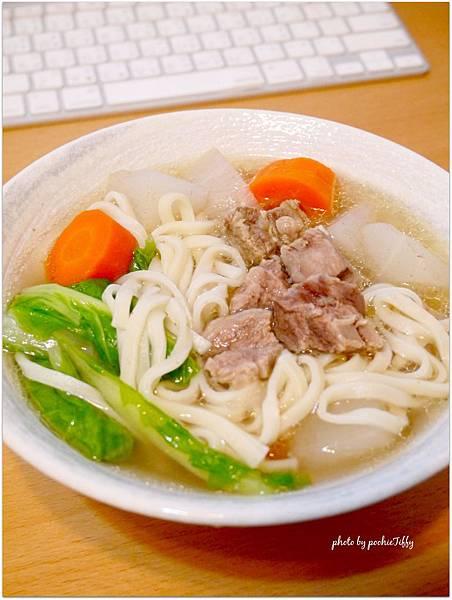 「清燉牛腩湯麵」
