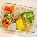 No.14「清燉牛腩/蘿蔔。燙玉米。燙花椰菜。糙米飯」