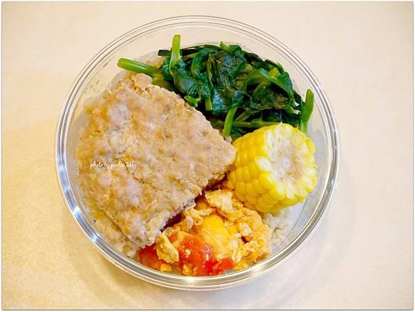 No.24「瓜仔肉。清炒高山豆苗。蕃茄炒蛋。玉米。糙米飯」