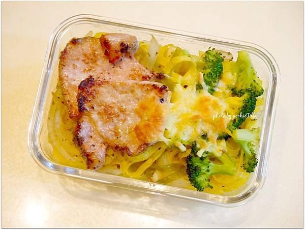 N0.37「嫩煎豬排蔬菜義大利雞蛋麵」