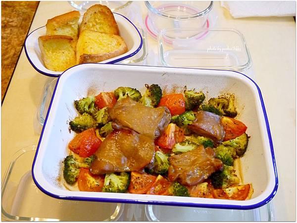 「烤雞腿排/烤蔬菜」