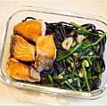 No.50「蒜味鮭魚波菜墨魚麵」