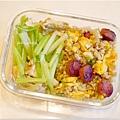 No.58「香腸糙米蛋炒飯。豆包炒芹菜」
