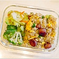 No.60「香腸糙米蛋炒飯。清燙花椰菜。清炒白菜」