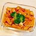 No.70「雞丁蕃茄紅醬義大利管麵」