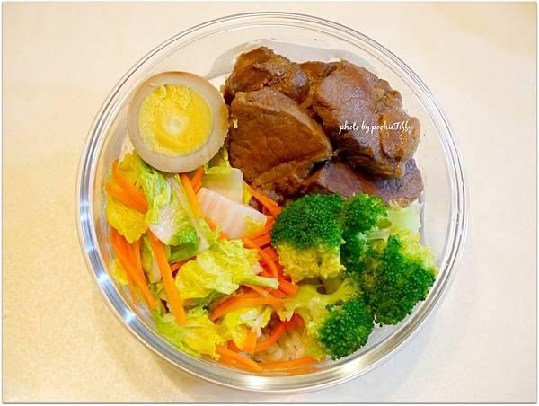 No.83「滷肉滷蛋。清炒娃娃菜。清燙花椰菜」