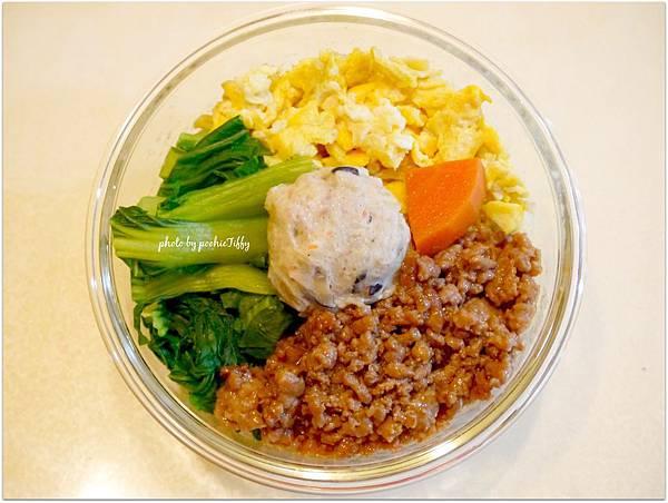 No.89「辣味噌肉末。炒蛋末。清燙青江菜。糙米飯」