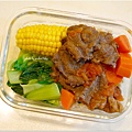 No.91「蕃茄牛肉。清燙玉米。清燙青江菜。糙米飯」
