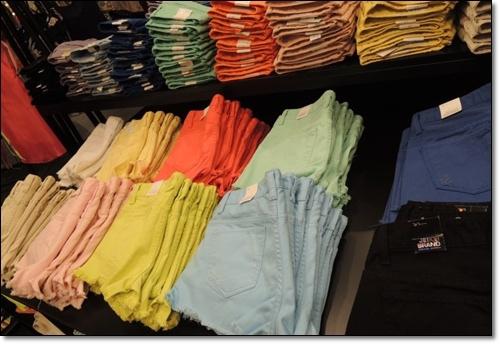 色褲.jpg