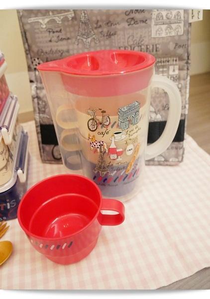 可收納的茶壺杯組