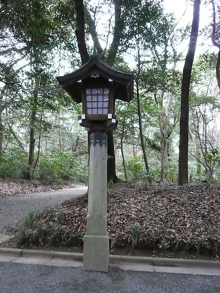 兩旁有燈柱, 古色古香的造型