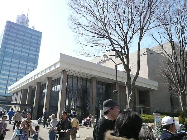 鄰近NHK電視台前的廣場