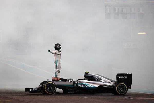 Rosberg_Abu_Dhabi_2016_F1Weekends.jpg