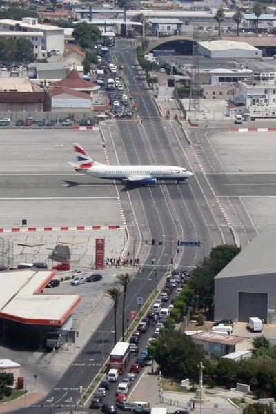 gibraltar_airport_08.jpg
