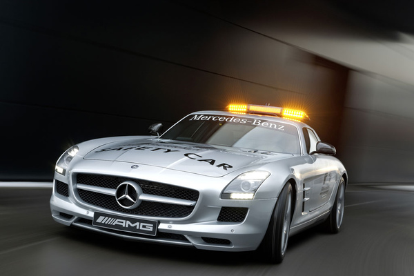 Mercedes-SLS-AMG-F1-Safety-Car-14.jpg