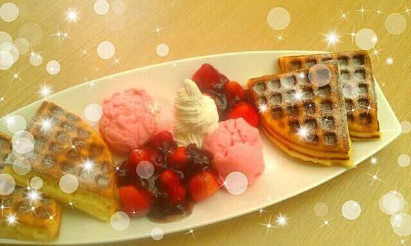 草莓鬆餅.jpg