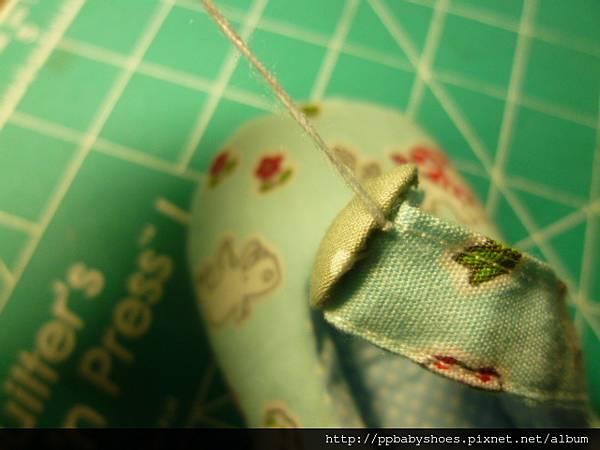 縫包扣在鞋帶上 020.jpg