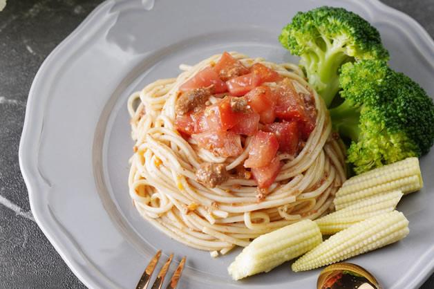 tomato sauce noodles.jpg