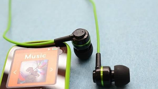 聲美es18,百元耳機推薦,入耳式耳機薦,重低音耳機薦