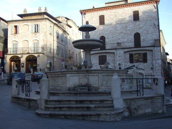 廣場上的小噴水池