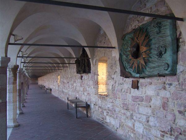 大通道旁的迴廊