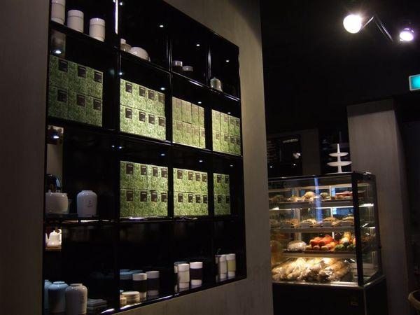 店內販售許多茶葉