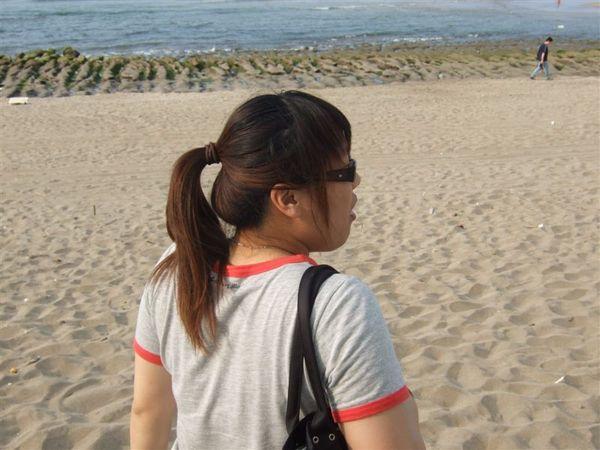美女準備去海邊幹架