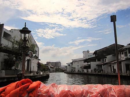 IMG_3829麻六甲運河好天氣!去馬來西亞五天流了五天汗.JPG