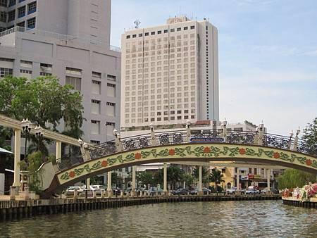IMG_3815麻六甲運河沿途風光.JPG