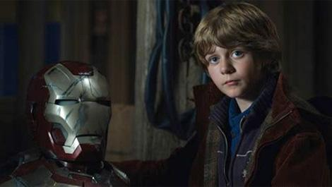 ty-simpkins-cast-as-the-lead-in-jurassic-world-146585-a-1381850098-470-75.jpg